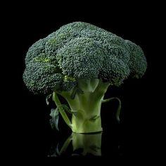 """""""Aquí les presento nuestro amigo el brócoli, ahh!!pero si ya lo conocéis, pero pocos lo usáis😕. Una…"""""""