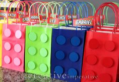 lego+party+favor+bags+with+name+tags.png (1600×1113)