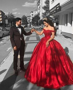 Elegant Arabic Red Prom Dress,Ball Gown Prom Dresses ,Long Off The Shoulder Prom Dress,Lace Appliques Beaded Puffy Evening Dress,Party Gowns Quinceanera Dress Red Ball Gowns, Ball Gowns Evening, Ball Gowns Prom, Ball Gown Dresses, Evening Dresses, Dresses Uk, Party Dresses, Satin Dresses, Long Dresses