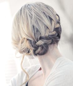 Alex Keating posted Knotted braid updo for medium long hair tutorial Elegant summer wedding hairstyle Prom hairdo. Lilith has many wonderful hair tutorials. to his -hair tips- postboard via the Juxtapost bookmarklet. Holiday Hairstyles, Wedding Hairstyles For Long Hair, Pretty Hairstyles, Romantic Hairstyles, Romantic Updo, Popular Hairstyles, Simple Hairstyles, Summer Hairstyles, Bridesmaid Hairstyles