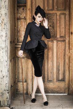 Le Palais Vintage-Winny 燕尾短外套配丝绒包臀铅笔裙