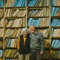 Living Where The Mountains Meet The Sea: Gwen & Gawie Fagan — Friends of Friends / Freunde von Freunden Camps Bay Cape Town, Self Build Houses, Create Space, Architecture, Frames, Africa, Articles, Shelves, Decorating