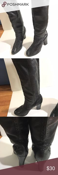 Michael Kors BLK knee high leather boots size 6 Michael Kors knee high boots black leather size 6 pre-owned. No stains or scuffs on leather, boots have been resoled. Michael Kors Shoes Heeled Boots