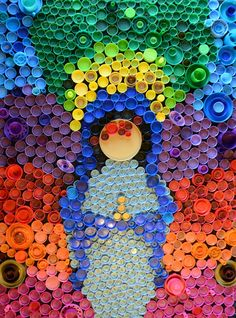 A pictorial outlining how to make plastic bottle cap art. A great project for kids that teaches recycling and upcycling. Plastic Bottle Tops, Plastic Bottle Crafts, Plastic Art, Recycle Plastic Bottles, Bottle Top Art, Bottle Top Crafts, Bottle Caps, Recycled Art Projects, Recycled Crafts