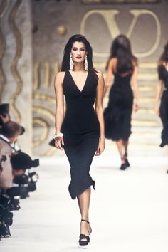 ceaaf807fc22c Yasmeen Ghauri   Valentino Runway Show Spring Summer 1993