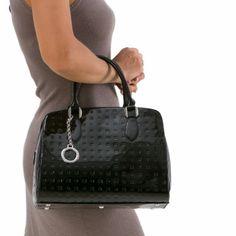 http://shop.arcadiabags.it/product/medium-handbag/black/586