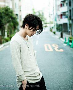 たーちゃん Cute Japanese Boys, Japanese Men, Japanese Models, Japanese Style, Japanese Fashion, Saitama, Takeru Sato, Rurouni Kenshin, Asian Hair