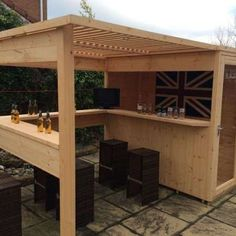 Amazing Shed Plans - bar de jardin DIY en bois Now You Can Build ANY Shed In A Weekend Even If You've Zero Woodworking Experience! Start building amazing sheds the easier way with a collection of shed plans! Bar Patio, Outdoor Garden Bar, Diy Outdoor Bar, Backyard Bar, Wood Patio, Outdoor Living, Outdoor Ideas, Outdoor Pallet, Backyard Sheds