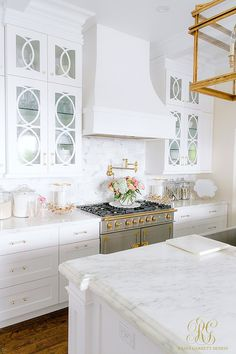 Spring Home Tour white kitchen with la cornue range and marble countertops - Randi Garrett Design White Marble Kitchen, All White Kitchen, White Kitchens, Nice Kitchen, Dream Kitchens, Over The Top, Kitchen Decor, Kitchen Design, Kitchen Ideas