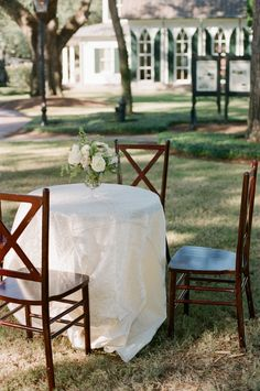 Photography : Ashley Seawell | Event Planning : Spencer Special Events Read More on SMP: http://www.stylemepretty.com/2017/03/09/this-is-the-wedding-southern-brides-dream-about/