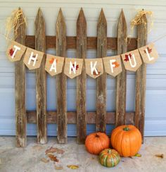 Thanksgiving Decor Burlap Banner / Photography by nhayesdesigns