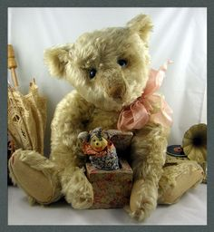 The Old Bear Company (UK) specialising in antique teddy bears early to including early Steiff, Bing, Chad Valley, Merrythought and many more. Vintage Teddy Bears, Old Things, Toys, Dates, Pearl, Animals, Cream, Dolls, Plushies