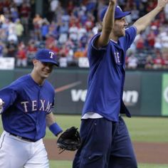 Michael Young & Dirk Nowitzki! 2 of my fave players together!