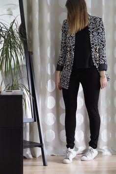Lena-Terlutter-gemusterter-Blazer-Outfit