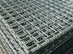 Galvanized welded wire steel mesh panels for security, bird and animal enclosures. Dog Fencing.