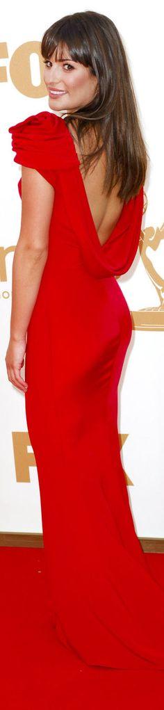 red carpet fashion long dress #red #sexy http://www.noellesnakedtruth.com/