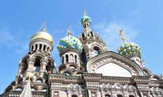 Seeing the Hermitage and other sights while touring St. Petersburg on a Baltic cruise