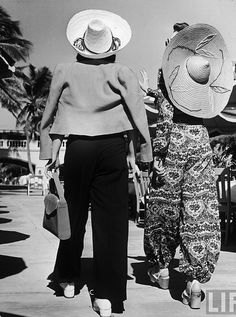 Stylish trouser fashions at the beach, 1940.