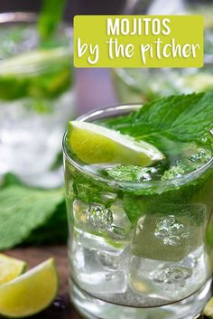 This mojito pitcher recipe makes a big batch of the best mojitos! So easy and refreshing! This mojito pitcher recipe makes a big batch of the best mojitos! So easy and refreshing! Beste Cocktails, Easy Cocktails, Cocktail Drinks, Cocktail Recipes, Refreshing Cocktails, Vodka Cocktails, Mojito Pitcher, Pitcher Drinks, Mai Tai Recipe Pitcher