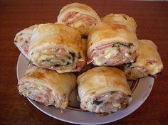 Лучшие кулинарные рецепты: Рулетики из слоеного теста с колбасой и сыром