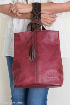 Leather Gifts, Leather Bags Handmade, Leather Pouch, Leather Purses, Leather Handbags, Fabric Handbags, Fabric Bags, Yarn Bag, Denim Ideas