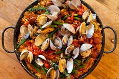 Paella Valenciana - delicious & perfect for summer, plus easy to make it #GlutenFree