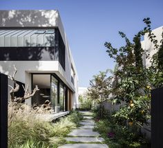 Completed in 2016 in Hertsliya, Israel. Images by Amit Geron. The project is a private urban house of approximatively 200 m2 in Herzlia, situated on a 425 m2 site.  The white modernist house is a perfect...