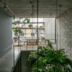 Image 2 of 33 from gallery of Mipibu House / Terra e Tuma Arquitetos Associados. Photograph by Nelson Kon Tropical Architecture, Cultural Architecture, Architecture Office, Residential Architecture, Contemporary Architecture, Architecture Design, Casa Atrium, Terra E Tuma, Concrete Block Walls