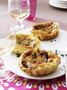 Unser beliebtes Rezept für Roquefort-Schalotten-Tarteletts und mehr als 55.000 weitere kostenlose Rezepte auf LECKER.de.