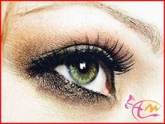 Tips Makeup Mata Sipit   Perempuan Asia kecenderungan mempunyai mata yang sipit. Oleh karena itu meskipun sudah bermakeup masih tetap nampak layaknya orang belum mandi dan layaknya orang kelelahan.  Read more: http://arenawanita.com/tips-makeup-mata-sipit-agar-nampak-besar-dan-cantik