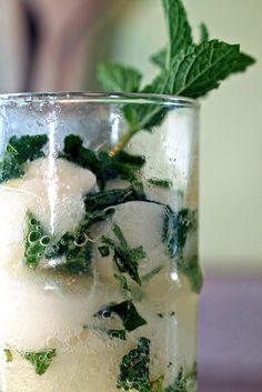 Champagne cocktail with mint and lemon sorbet