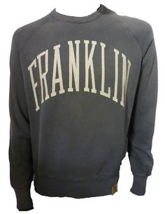 FLMR661S13 Cracked Logo Sweatshirt garment details