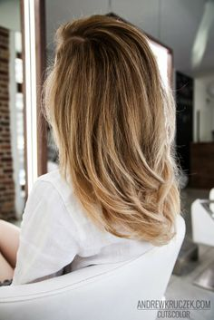 Flamboyage Effect on Blond Hair