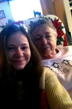 Cassy am Grandma Marilyn xmas 2013