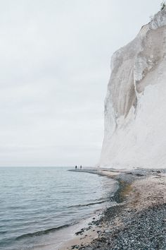 Mons Klint, Borre, Denmark - Best Natural Scenery In The World To Visit Oh The Places You'll Go, Places To Travel, Places To Visit, Travel Destinations, All Nature, Nature Beach, To Infinity And Beyond, Adventure Is Out There, Travel Photography