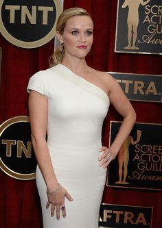 Oscar Nominees Steve Carell and Reese Witherspoon Bedazzled the SAG Awards Red Carpet in Harry Winston #Photo #Jewelry #Lifestyle #Fashion  http://www.redcarpetreporttv.com/2015/01/26/oscar-nominees-steve-carell-and-reese-witherspoon-bedazzled-the-sag-awards-red-carpet-in-harry-winston-photo-jewelry-lifestyle-fashion/