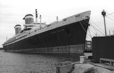 Bob Baron's shot of SS United States. Sad