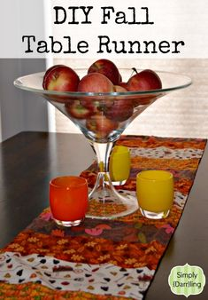 DIY Fall Table Runner - Tutorial to make your own Fall table runner. #diy #sewing #crafts #fall