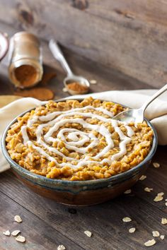 15 Best Pumpkin Recipes for Fall | Pumpkin Cinnamon Roll Oatmeal by Recipe Runner