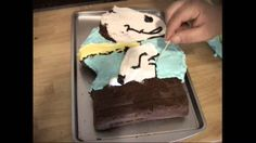 Making a Snoopy Cake