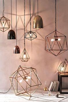 ¿Sabes cómo iluminar tu casa habitación por habitación? - https://decoracion2.com/iluminar-tu-casa/ #Iluminar_El_Salón, #Lámparas_De_Techo, #Luces_Indirectas