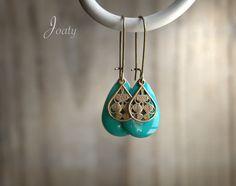 Boucles d'oreilles bronze, pendentifs émaillés bleu Mers du sud : Boucles d'oreille par joaty
