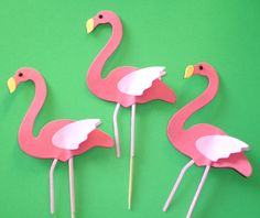 12 Pink Flamingo Cupcake Toppers zoo by DDCupcakeAccessories, Part of custom cake decor Flamingo Cupcakes, Pink Flamingo Party, Flamingo Birthday, Luau Birthday, 4th Birthday Parties, Pink Flamingos, Birthday Ideas, Flamingo Craft, Themed Cupcakes