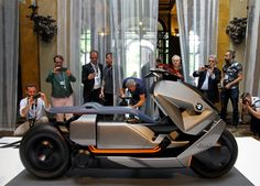 BMW motorrad concept link sparks electric urban mobility movement