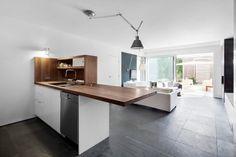 [건축] 잘생겨졌어! 23평 주택 리모델링 성공사례 LeJeune ResidenceArchitects : Architecture Open...