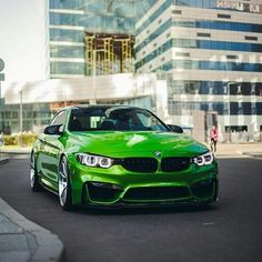 BMW F82 M4 green