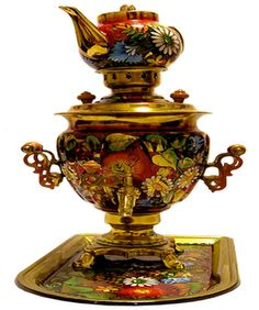 The Samovar is a tool used both to boil water for preparing tea, as well as serve tea, so appreciated by the Russians. It was introduced in Russia by Peter the Great, and an industrial center, initially, in the Urals, a region rich in minerals, especially copper and iron ore. Later, the Tula region (land Tolstoy) is now also producing this tool, and Tula in 1850 had 128 factories , which produced about 120 thousand units per year. Moreover, there is this City Museum Samovar