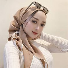 Hijab Teen, Arab Girls Hijab, Girl Hijab, Muslim Girls, Muslim Women, Casual Hijab Outfit, Hijab Chic, Hijab Dress, Sweet Makeup