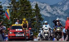 STAGE 20 - Chris Froome (Team Sky) gets ready to celebrate his Tour de France victory Photo: © Bettini Photo