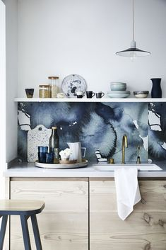 Style Report: Inky Blue Kitchen